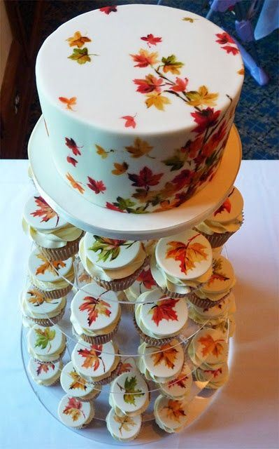 fall favor centerpiece cupcakes