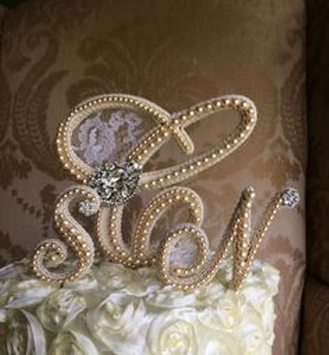 rustic pearl monogram topper1