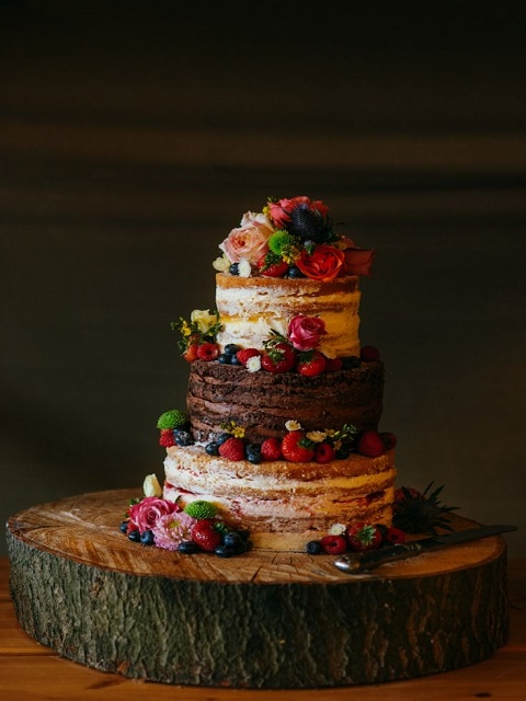 Double-flavoured rustic naked cake