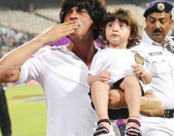 shahrukh khan with son abram