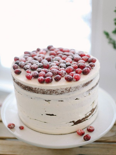 One-tier rustic berry cake