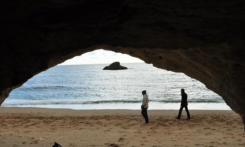 Couple-beach-fun-new-love-times