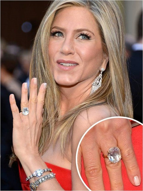 Jennifer Anniston engagement ring