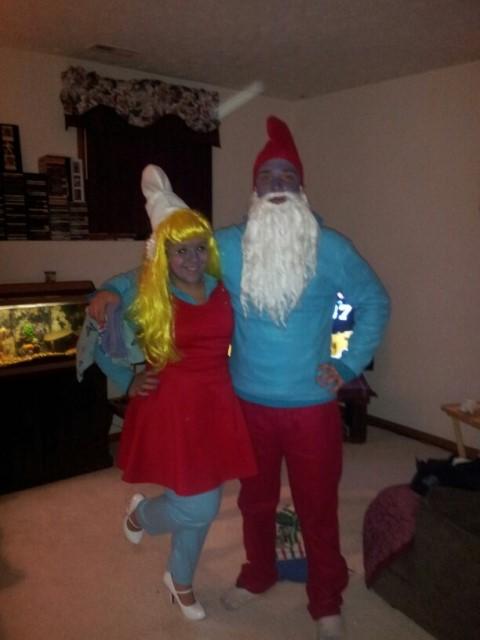 couple papa smurf and smurfette