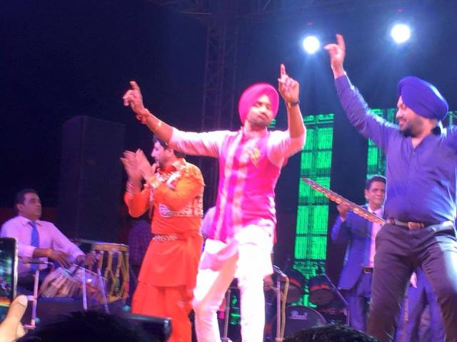 harbhajan singh dancing during his sangeet ceremony