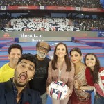 Selfie Le Le Re – Now This Is What You Call A Perfect Celebrity Selfie!
