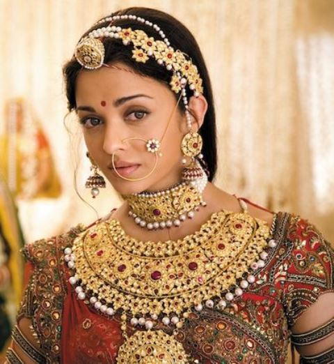 bollywood brides aishwarya in jodhaa akbar1_New_Love_Times