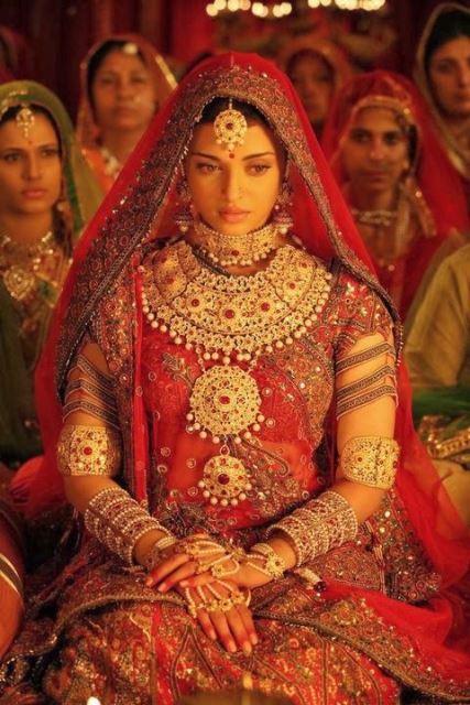 bollywood brides aishwarya in jodhaa akbar1_New_Love_Times