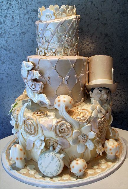 disney wedding cake alice in wonderland_New_Love_Times