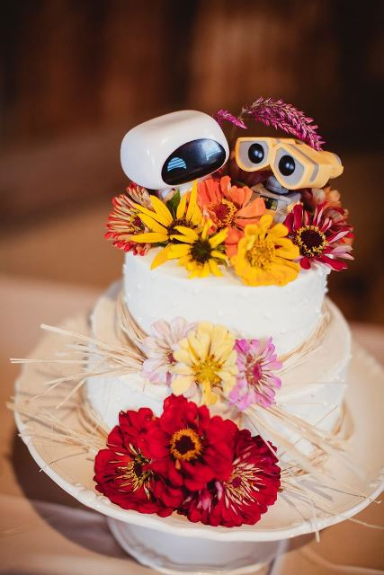 disney wedding cake wall e_New_Love_Times