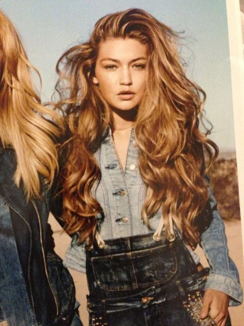 hair hacks hide mismatched roots with curling iron_New_Love_Times