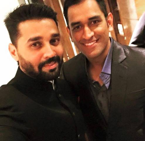 murali vijay and ms dhoni at bhajjikishaadi