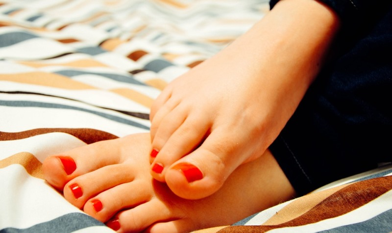 pedicured nails_New_Love_Times