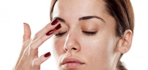woman caring for her eyes_New_Love_Times
