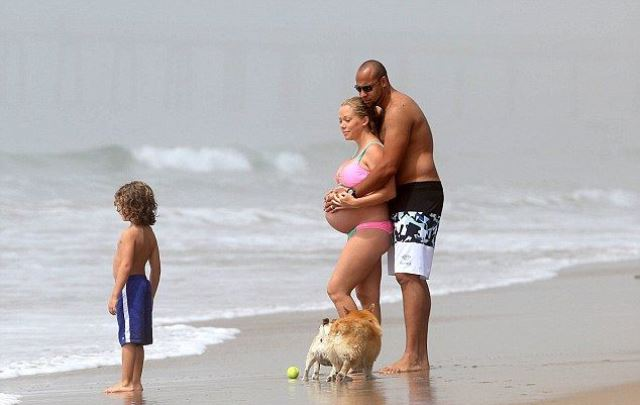 celebrity baby bumps_New_Love_Times