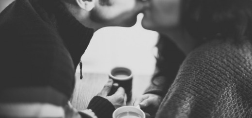 couple kissing_New_Love_Times