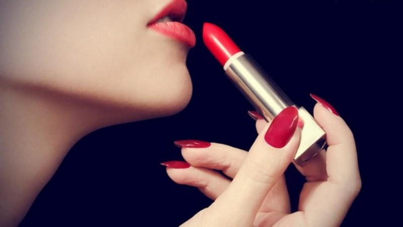 red lipstick_New_Love_Times