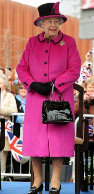 queen elizabeth fashion_New_Love_Times