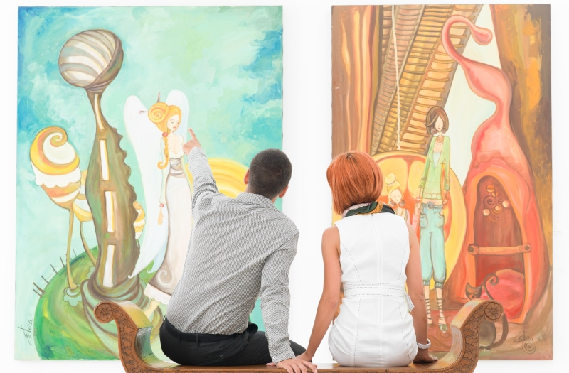 couple at an art gallery_New_Love_Times