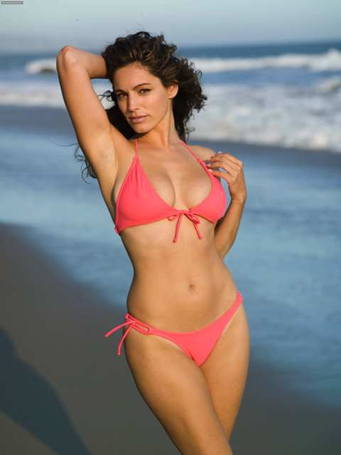 kelly brook_New_Love_Times