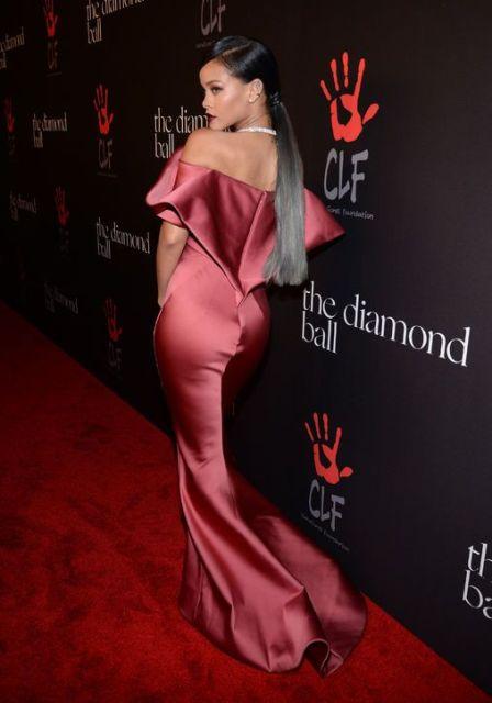 Rihanna_New_Love_Times