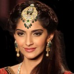 14 Times Sonam Kapoor Proved She Is Unbeatable In the Accessory Game