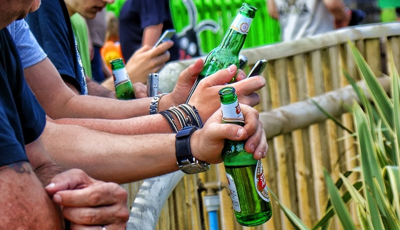 men drinking beer_New_Love_Times