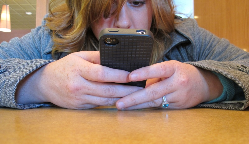 texting_New_Love_Times
