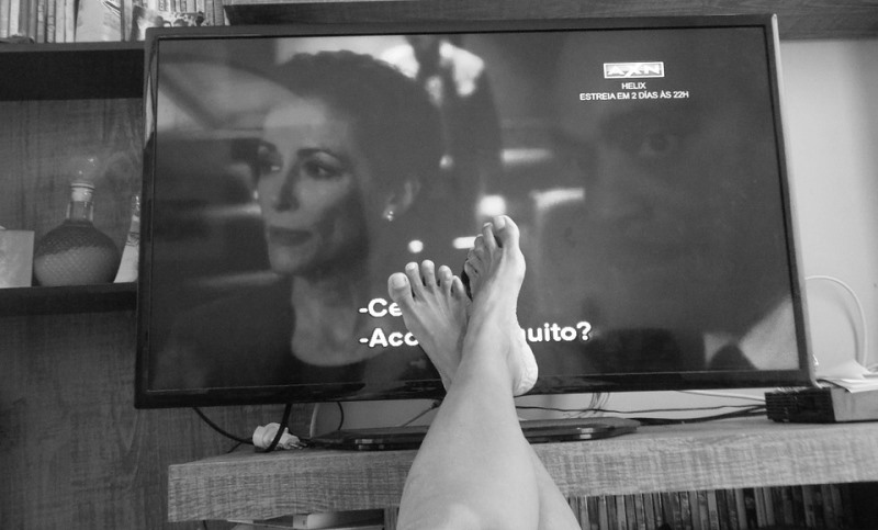 woman watching tv_New_Love_Times