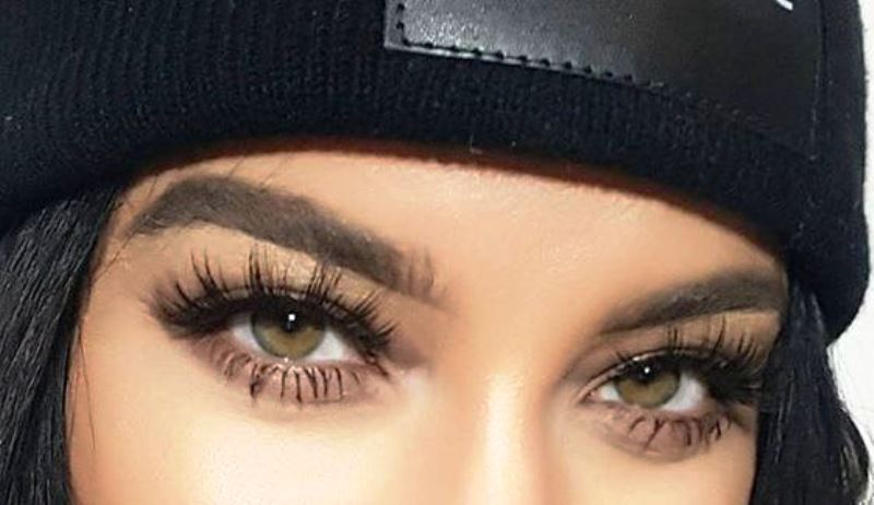 10 Excellent Home Remedies For Thick Eyelashes