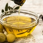8 Superb Olive Oil Hair Mask Recipes For Shiny, Silky Hair
