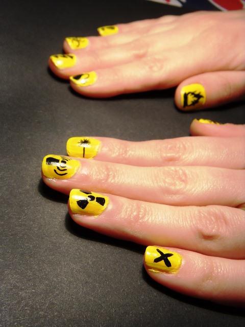 yellow nail color
