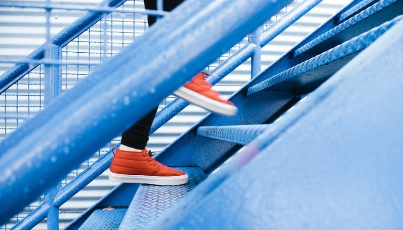 climbing stairs_new_love_times