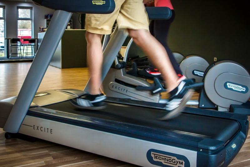 running on treadmill_new_love_times